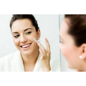 Cuándo deberías comenzar a utilizar un rellenador de arrugas